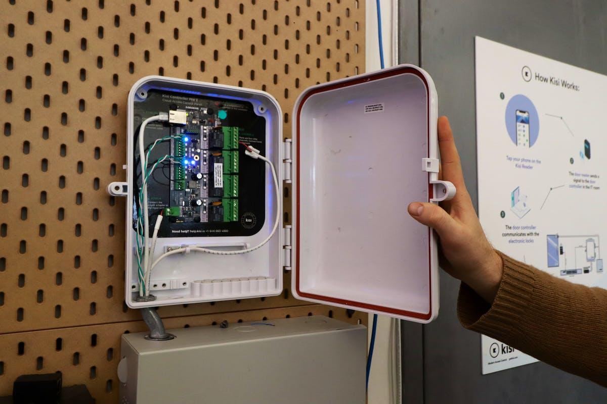 Kisi Hardware