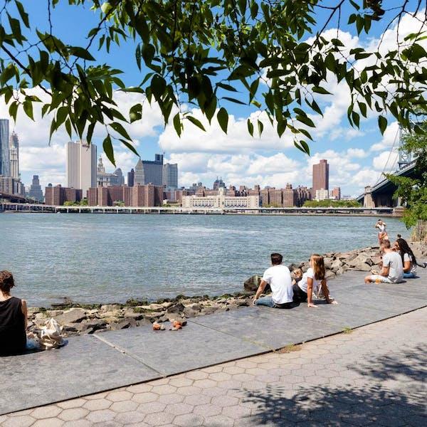 Brooklyn Bridge Park - Main Street