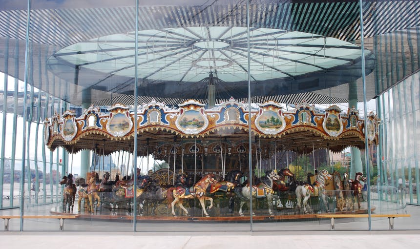 Places Janes Carousel Exterior4